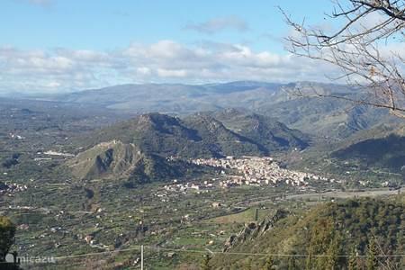 Uitzicht vanuit Casa Motta Camastra