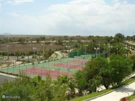 diverse tennisbanen