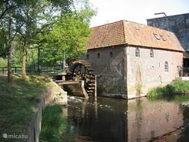 Watermolen Berenschot (op het landgoed Bekendelle) in 't Woold. In de molen is een restaurant ondergebracht