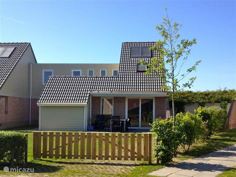 Vacation rental Netherlands – holiday house Paardekreek 19 aan het Veerse meer