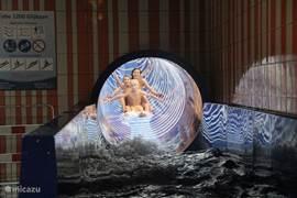 Glijbaan in de waterspeeltuin