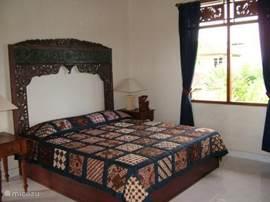 Foto 1 van de slaapkamer op de bovenverdieping, het tweepersoonsbed.