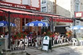 het heerlijke restaurant naast onze woning; met babyfoon bereik!!