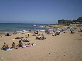 La Mata strand (op 5 minuten! loopafstand)