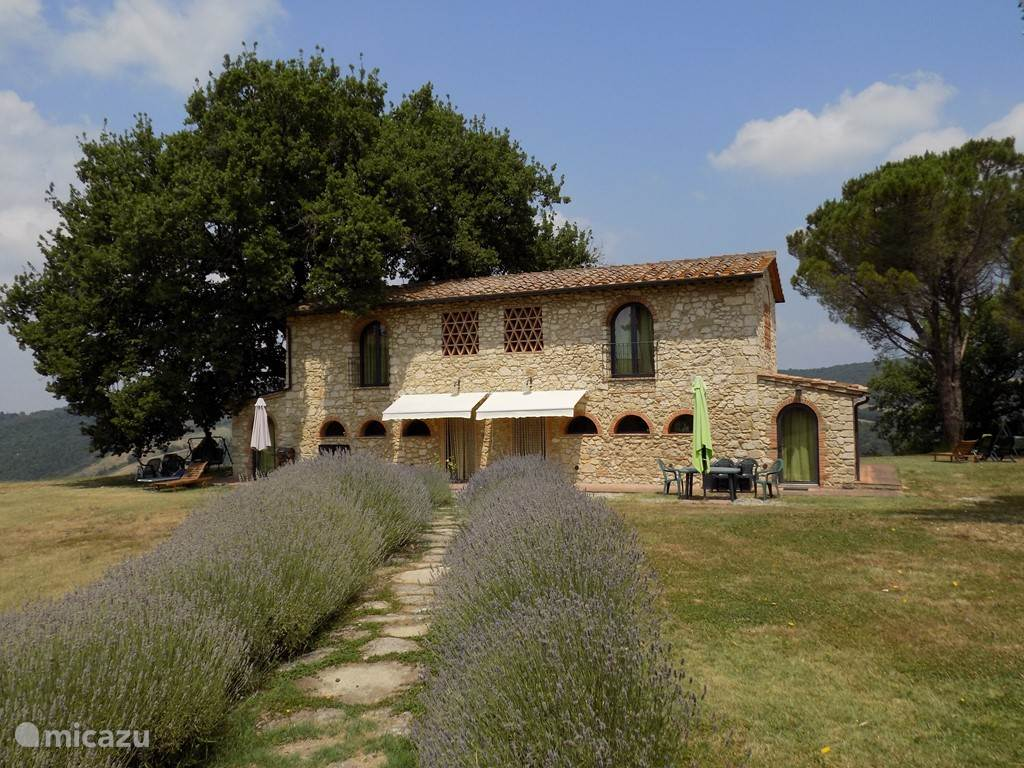Vacation rental Italy, Tuscany, Volterra - holiday house Podere Grignano