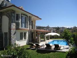 kortom een luxe villa met eigen zwembad, voorzien van alle gemakken in een prachtig gebied aan de Lycische kust voor ene betaalbare prijs.