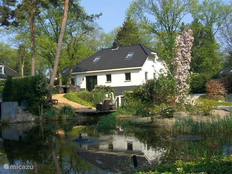 Vakantiehuis Nederland, Gelderland, Lunteren villa Lifestylehuis met veel Wellnessapp.
