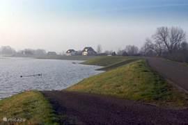 Het IJssellandschap verandert in een prachtig waterland wanneer de IJssel buiten haar oevers treedt...