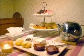 Aanbieding: Romantisch IJsselvallei-lekkernij  arrangement. Beleef een ècht verwen-weekend in De Droomengel met een champagne-ontbijt en een privé HighTea !  Ook een leuk idee om uw partner, familie of vrienden kado te doen.