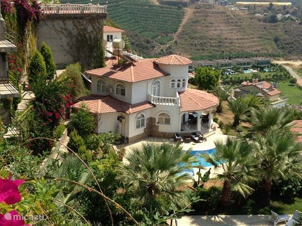 De Villa van boven gezien
