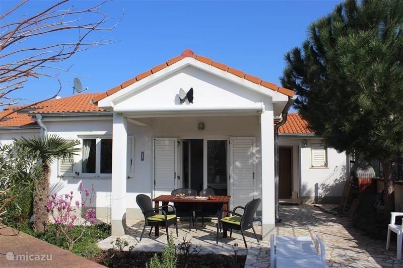 Vacation rental Croatia, Istria, Pula Bungalow Nikola