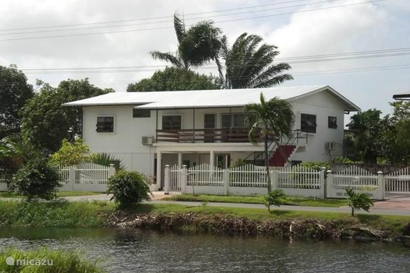 Vakantiehuis Suriname, Paramaribo, Paramaribo Appartement Residence Copernicus Appartementen