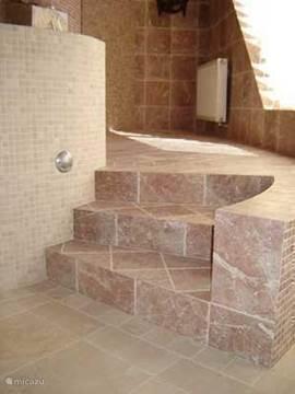 trapje wellness naar douche