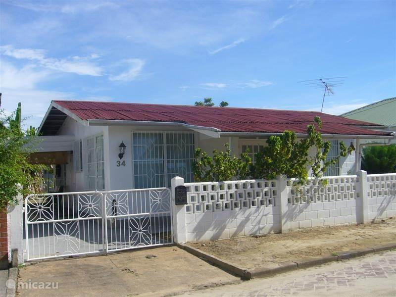 Vakantiehuis Suriname – vakantiehuis Oso Truus