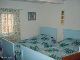 2 x Single bedroom, 90 x 2.00 mtr., On the landing with a 2nd toilet with washbasin. (No smoking)