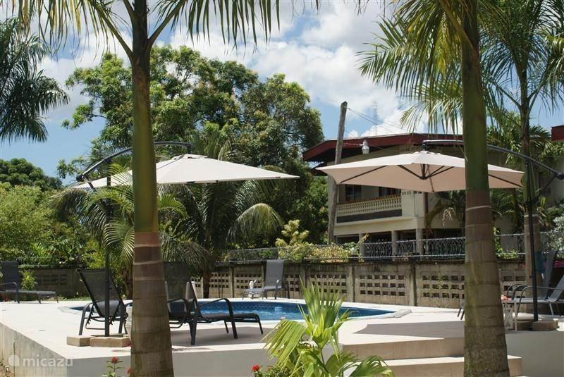 Vakantiehuis Suriname, Paramaribo, Paramaribo villa Oso Naomi