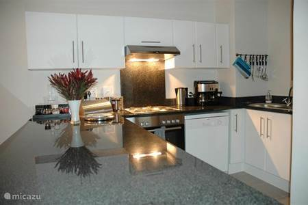 Vacation rentals in muizenberg cape town cape town for Kitchens western cape