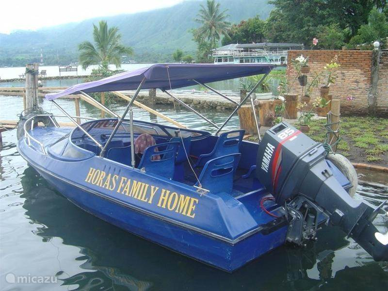 Speedboat trips Lake Toba