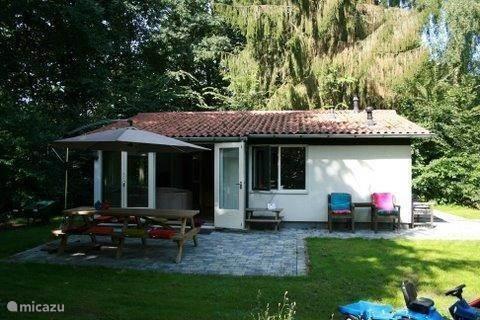Vakantiehuis Nederland, Drenthe, Exloo - vakantiehuis Bula House