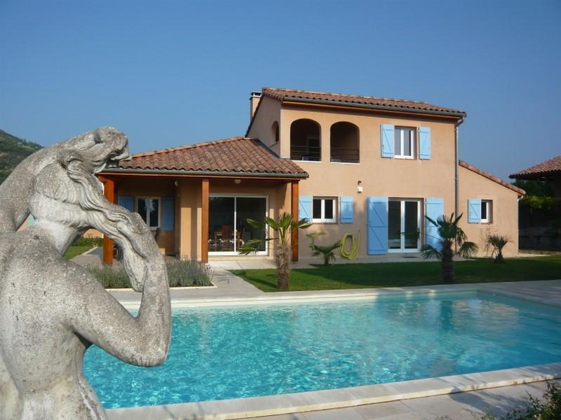 De eerste week van juli krijgt u € 500 extra korting op de huurprijs, dus slechts 1190 euro voor deze prachtige villa met privé-zwembad, WIFI, etc.
