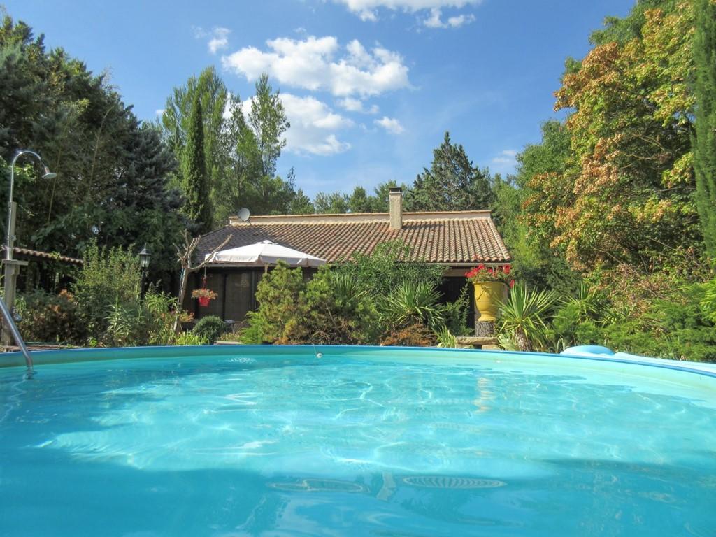 Kom genieten van onze prachtige plek met zwembad en veel privacy in de Languedoc! Nu heb je nog keus! 2-4 personen en een apart gastenverblijf. Welkom