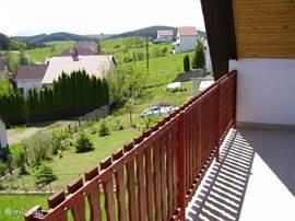 balkon vanuit de 2 persoonsslaapkamer