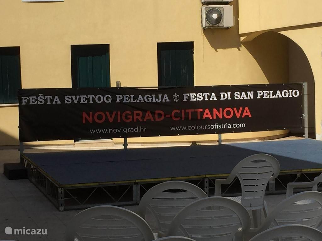 Festiviteiten Novigrad erg gezellig met veel live muziek