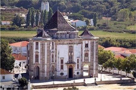De middeleeuwse kerk van Obidos