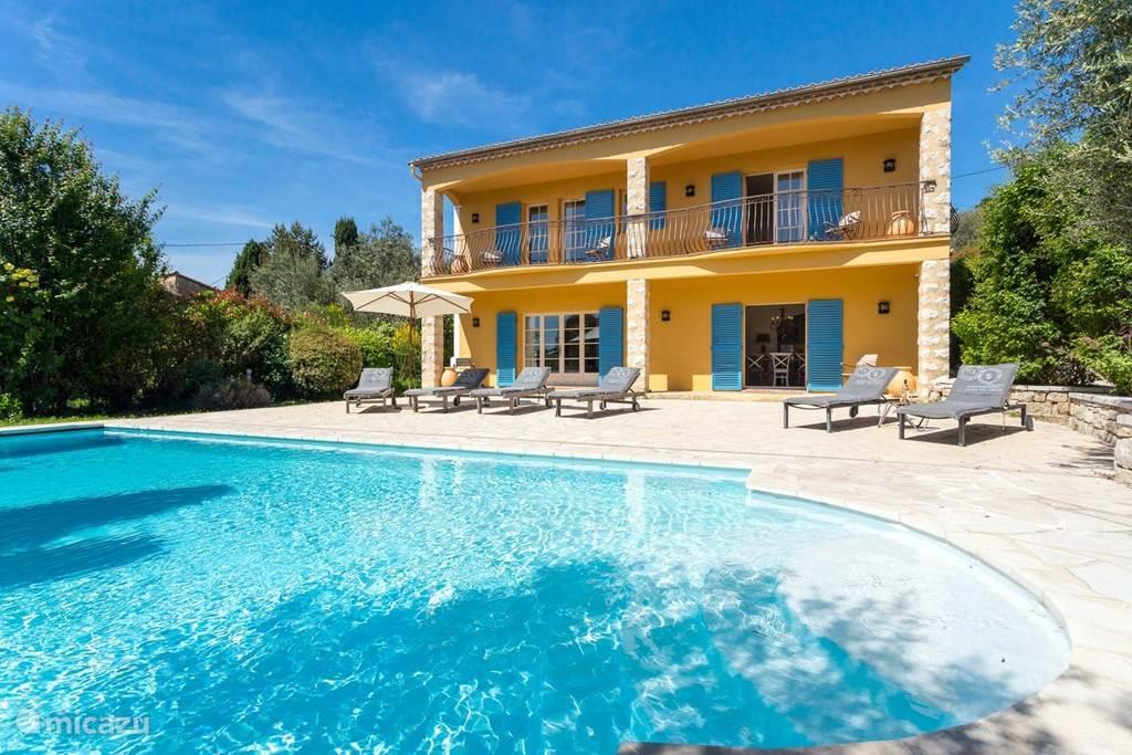 Vacation rental France, French Riviera – holiday house Villa Ciel Bleu