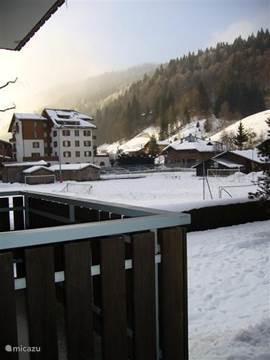 winter: uitzicht vanaf balkon west