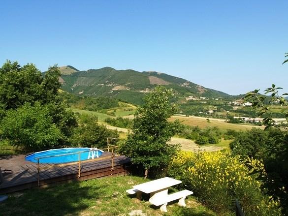 Casa Maritine, vakantie op een echte Italiaanse Borgo in Le Marche. De laatste weken van juli bieden wij u 10 % korting op de huurprijs aan.