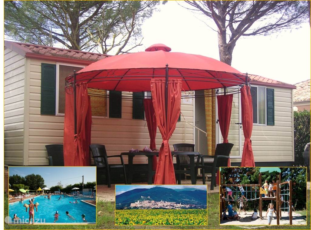 Holiday parks, Italy, Umbria, Assisi, mobile home luxe stacaravan Umbrie/Assisi