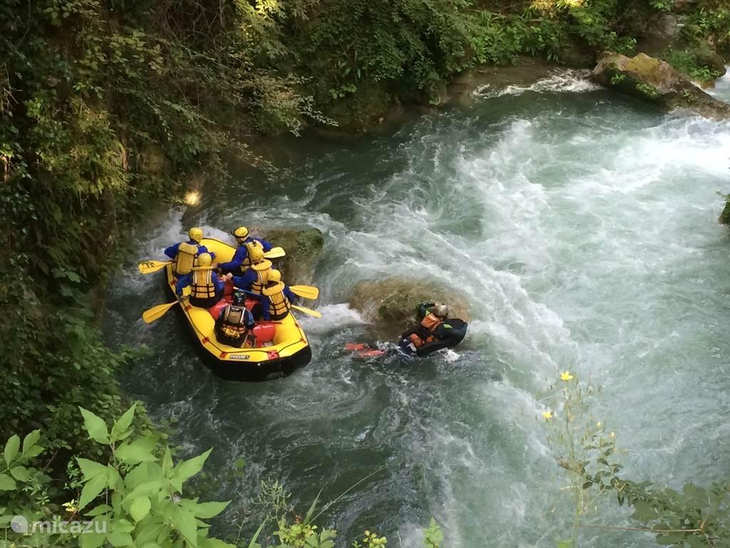 Rafting aan Marmorre watervallen. Bij de rubriek Video's kan u hiervan een filmpje bekijken.