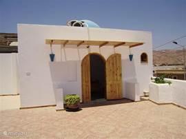 3. Schlafzimmer auf der Dachterrasse mit Blick auf das Meer und Saudi-Arabien