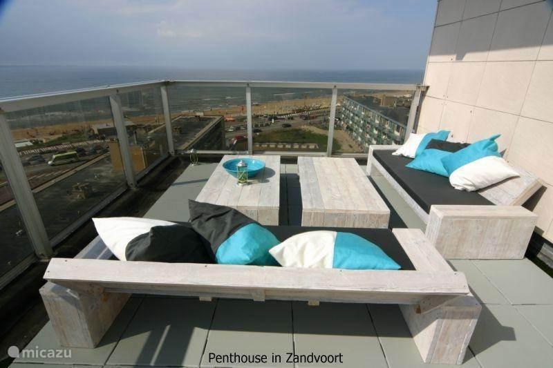 Het terras - Loungegedeelte