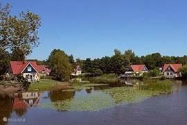 Veel huizen bieden u een tuin direct aan het water.