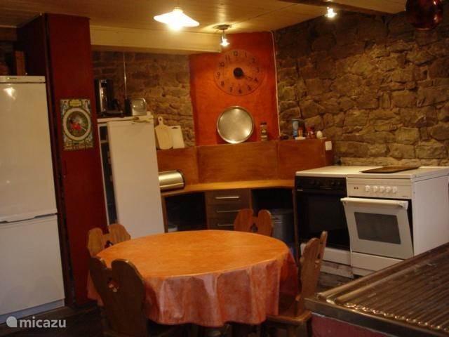 in het huis: de keuken