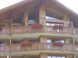 groot balkon in de zon!