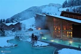 Zeer luxe, geheel nieuw appartement + studio en groot zonnig balkon op een wellness resort met thermaalbaden en veel faciliteiten. 4-seizoenen bestemming in Portes du Soleil (ski)gebied!  ook voor andere appartementen; informeer dus indien reeds bezet!