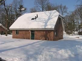 Veel sneeuw op het park in maart 2005