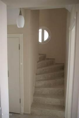 Prachtige marmeren trap naar 2e etage