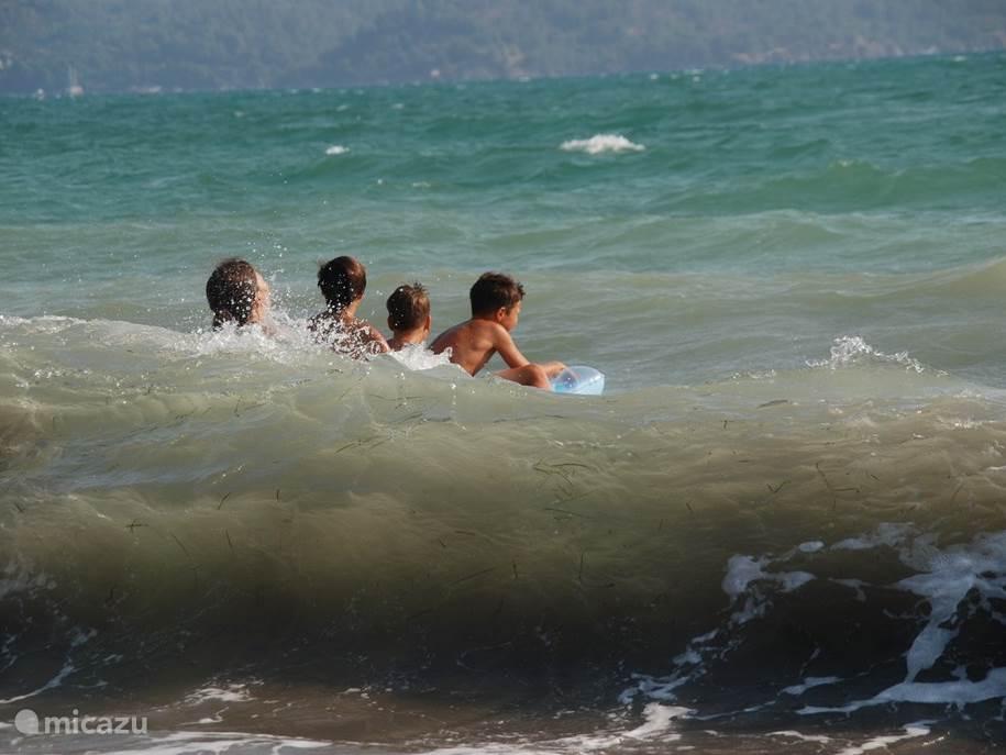 Heerlijk warm zeewater.