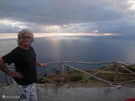 prachtige zonsondergangen boven de oceaan