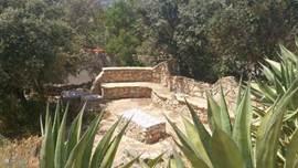 Een prachtig portugees terras in de tuin
