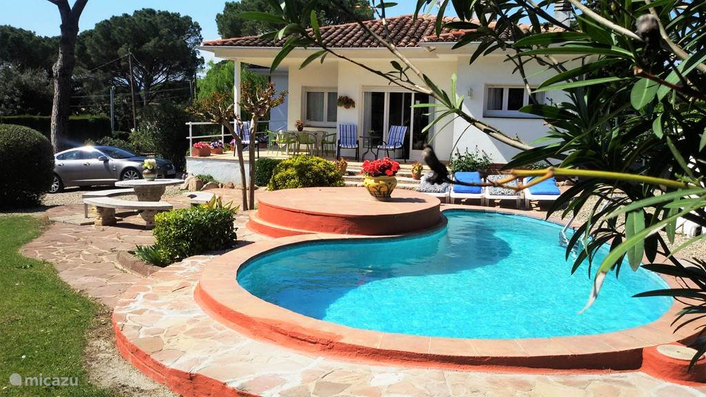 Vakantiehuis Spanje, Costa Brava, Llagostera villa VILLA DUSHI, DE NAAM ZEGT ALLES...