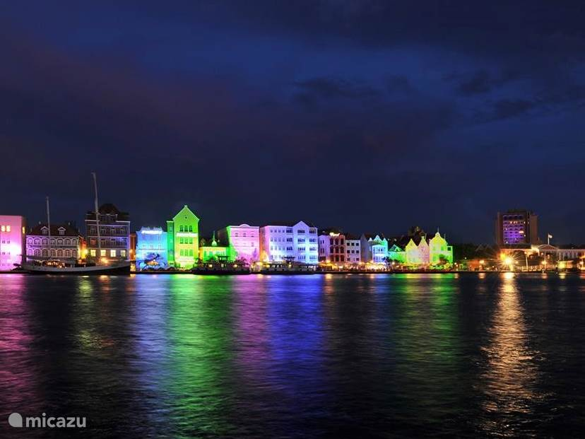 Willemstad by night!.....