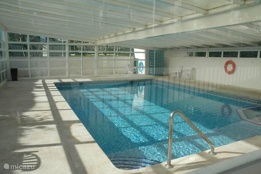 binnenzwembad 30 tot 32 *