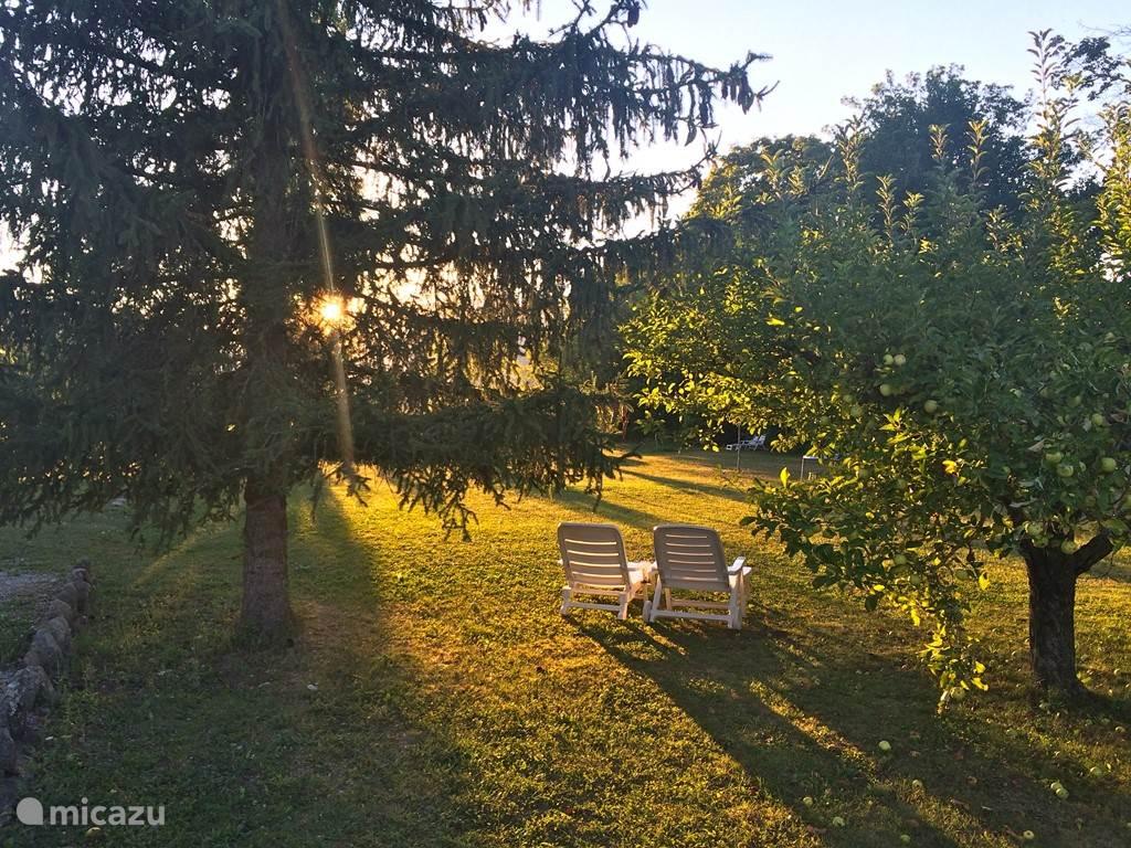Zonsondergang in de noordelijke tuin