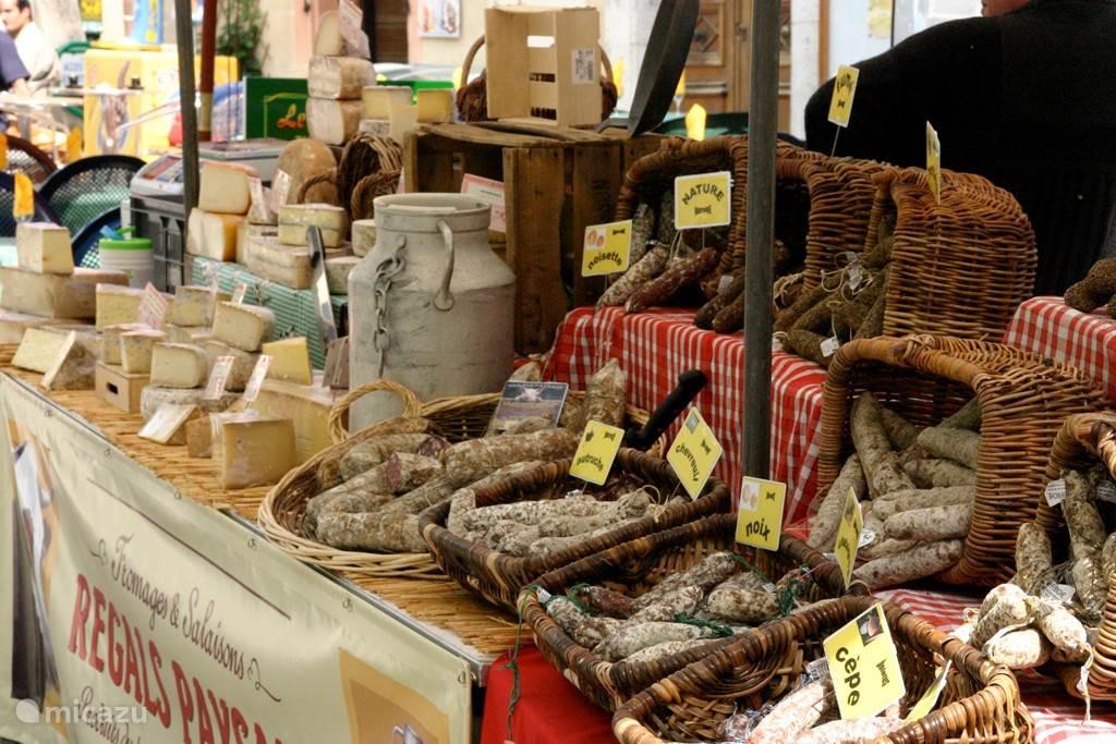 De gezellige markt in Die