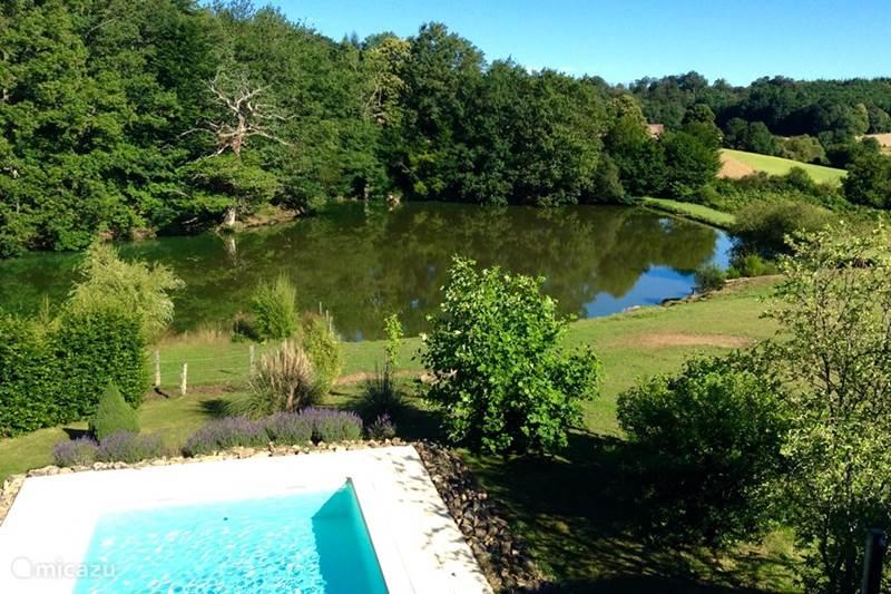 Vakantiehuis Frankrijk, Haute-Vienne, Château-Chervix Vakantiehuis Tours met privé zwembad